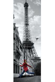 Paryż Wieża Eiffla Dziewczyna w Czerwonym Płaszczu - plakat