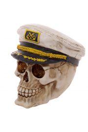 Czaszka w marynarskim kapeluszu kapitana