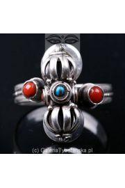 Tybetański pierścień z Dorje, turkusem i koralem BTP603