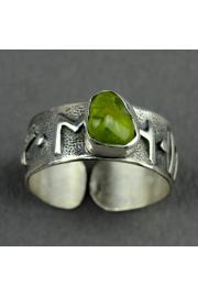 Pierścień obfitościI FEHU z oliwinem nr. 25-26